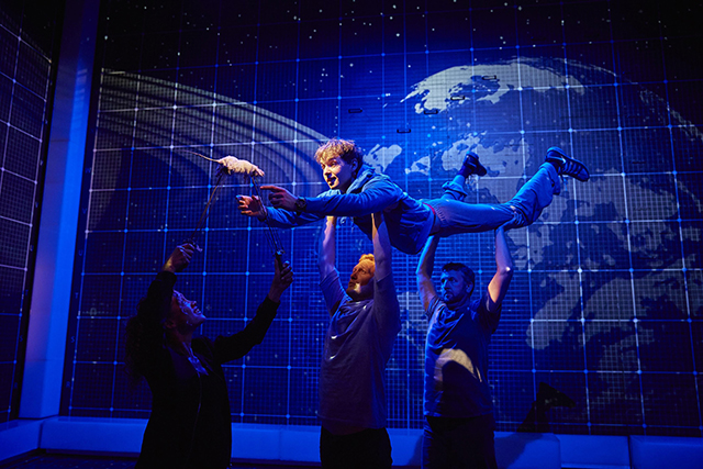 Sion-Dan-Young-Christopher-and-the-cast-of-The-Curious-Incident-of-the-Dog-in-the-Night-Time-Photo-by-BrinkhoffMögenberg-2