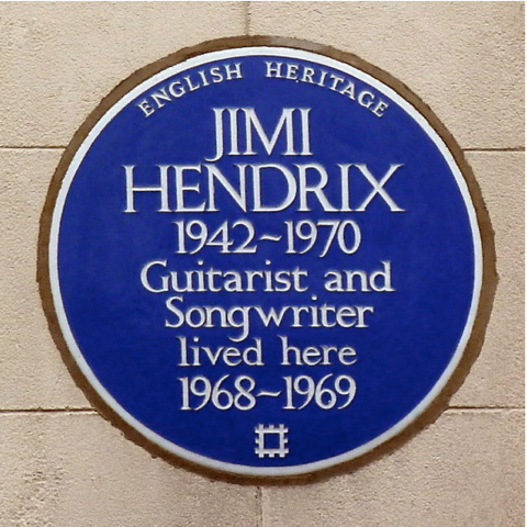 런던의 여러 길들을 비틀즈 뿐 아니라 여러 음악가들이 거쳐갔습니다. 기타리스트 지미 헨드릭스가 잠시 거주했던 브룩 스트릿(Brook street). 메이페어(Mayfair)에 있습니다. 출처: BBC 뉴스 사진2) 신구의 조화가 어우러지는 런던의 대표적인 길, 소호의 그레이트 말보로 스트릿(Great Marlborough Street)에 위치한 리버티 백화점. 출처: www.Victorianweb.org