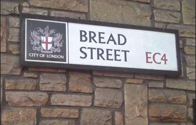 저 옛날엔 빵을 팔았을 브레드 스트릿. 출처: jtchatter.blogspot.com